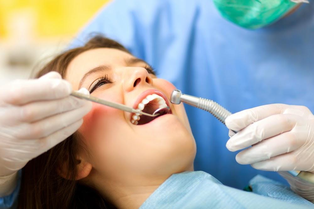bleaching gigi memutihkan gigi
